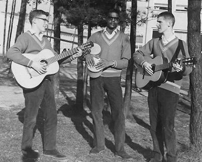 Balladiers 1962, left to right: Rick Tuel, Jim Hutcheson, Terry McNeil (Nandi Devam)